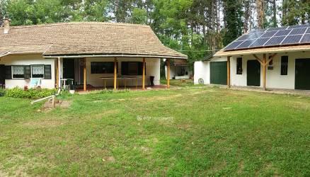 Eladó ház Bócsa, 3 szobás