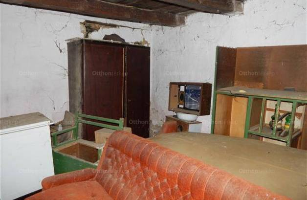 Hedrehely 2 szobás családi ház eladó