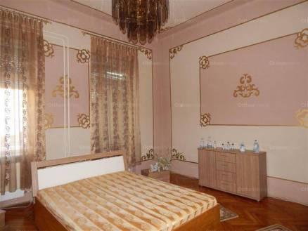 Kaposvári lakás eladó, 102 négyzetméteres, 3 szobás