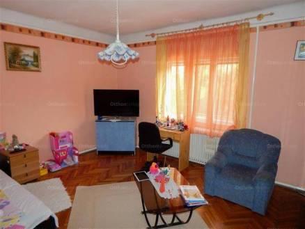 Kaposvári eladó családi ház, 2+2 szobás, 94 négyzetméteres