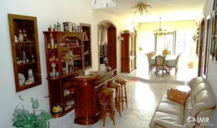 Családi ház eladó Budapest, 327 négyzetméteres