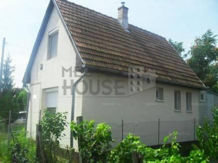 Debrecen családi ház eladó, 1+2 szobás