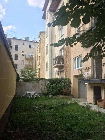 Budapesti lakás eladó, Vízivárosban, 1 szobás