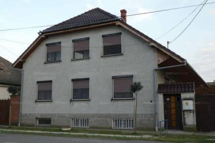 Fajszi családi ház eladó, 240 négyzetméteres