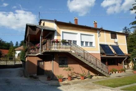 Eladó családi ház, Szigliget, 5+2 szobás