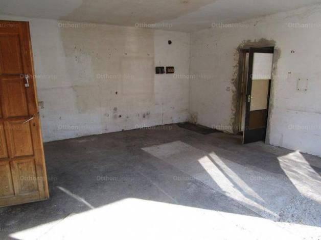 Veresegyházi családi ház eladó, 247 négyzetméteres, 6 szobás