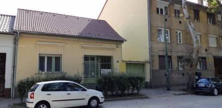 Eladó 4 szobás családi ház Kaposvár a Fő utcában