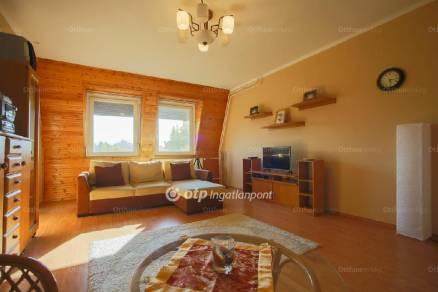 Eladó lakás, Szolnok, 3 szobás