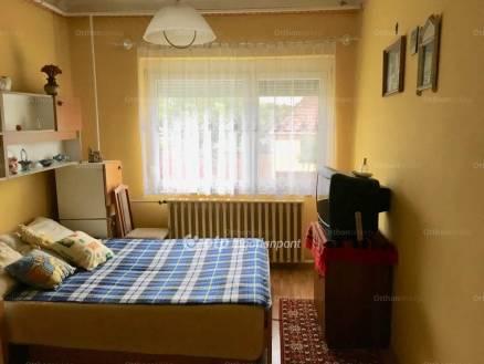 Eladó ház, Bácsalmás, 2+1 szobás