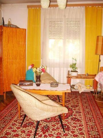 Pécsi eladó családi ház, 2 szobás, 75 négyzetméteres