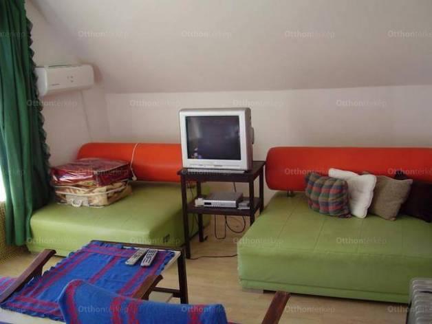 Badacsonytomaj családi ház eladó, 4+3 szobás