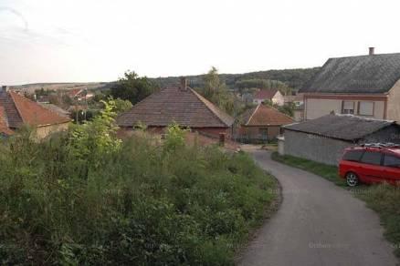 Eladó telek Egerbakta