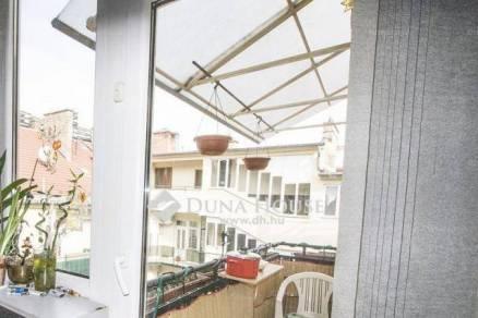 Budapesti lakás eladó, 94 négyzetméteres, 2+2 szobás