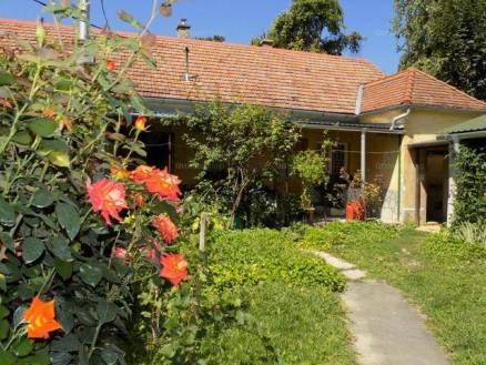 Eladó családi ház Keszthely, 3+1 szobás