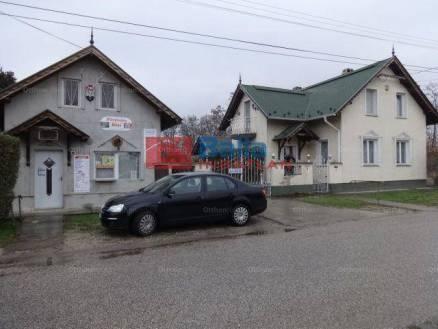 Lakiteleki eladó családi ház, 6 szobás, a Zrínyi Miklós utcában