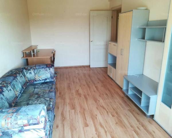 Székesfehérvári eladó lakás, 2 szobás, 54 négyzetméteres