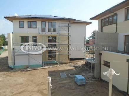 Balatonfüredi lakás eladó, 59 négyzetméteres, 2+1 szobás