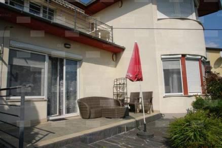 Lakás eladó Budaörs, a Szabadság úton, 80 négyzetméteres