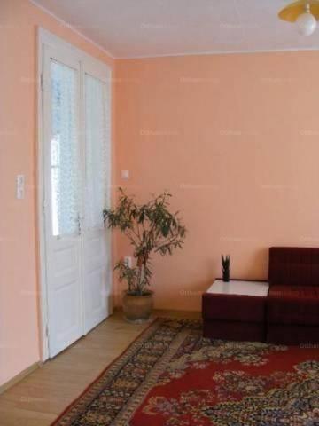 Családi ház eladó Baja, 110 négyzetméteres