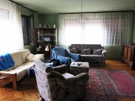 Családi ház eladó Baja, 182 négyzetméteres