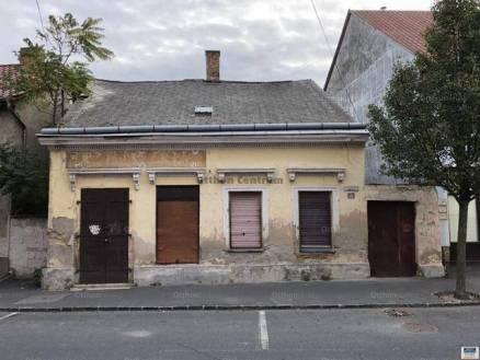 Eladó, Keszthely, 6 szobás