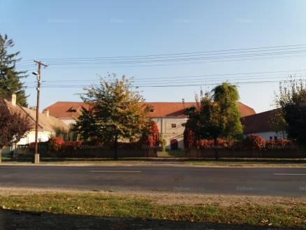 Hédervár eladó kastély a Fő úton 38-ban