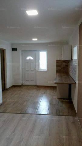 Kecskeméti családi ház eladó, 33 négyzetméteres, 1 szobás