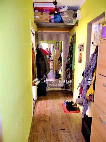 Eladó, Esztergom, 1+1 szobás