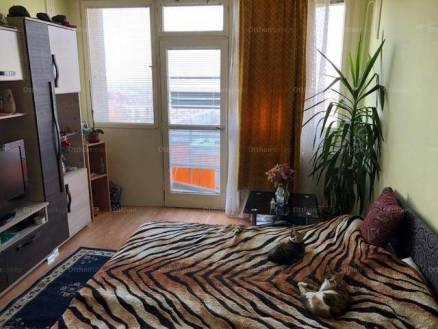 Debreceni lakás eladó, 71 négyzetméteres, 3 szobás