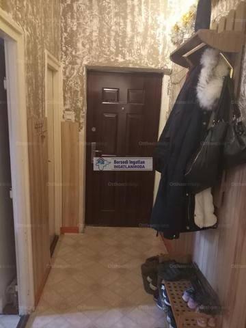 Kazincbarcikai eladó lakás, 2+1 szobás, 57 négyzetméteres