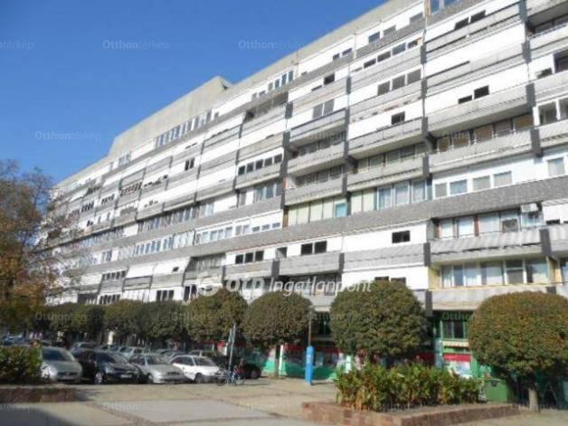 Eladó 2+1 szobás lakás Szekszárd