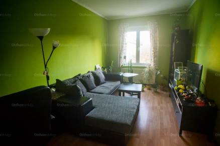 Eladó lakás Veszprém a Csikász Imre utcában, 2 szobás