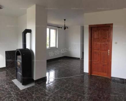 Vác családi ház eladó, 2+1 szobás