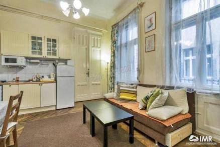 Eladó lakás, Budapest, Belváros, Papnövelde utca, 2+1 szobás