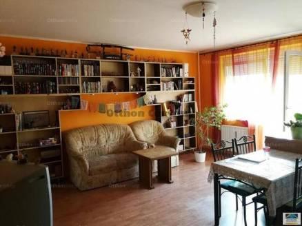 Veszprémi lakás eladó, 55 négyzetméteres, 1+2 szobás