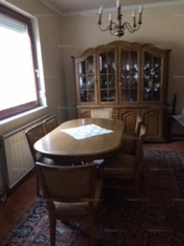 Eladó családi ház, Keszthely, 6 szobás