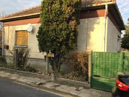 Farmos családi ház eladó, Deák Ferenc utca 8.., 3 szobás