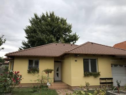 Eladó családi ház Kistarcsa, Móra Ferenc utca 93., 2+2 szobás