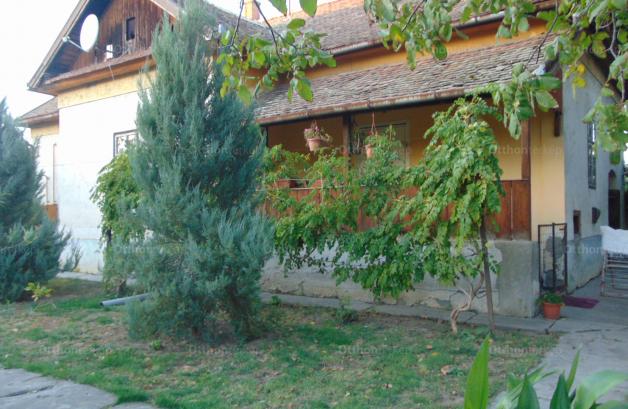Kunhegyes, Kossuth Lajos utca