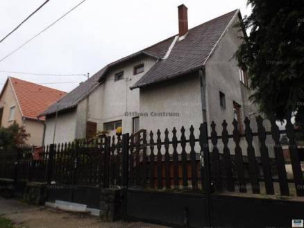 Balatonederics 5+1 szobás családi ház eladó