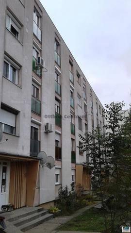 Eladó 1+1 szobás lakás Szekszárd a Kadarka lakótelepen
