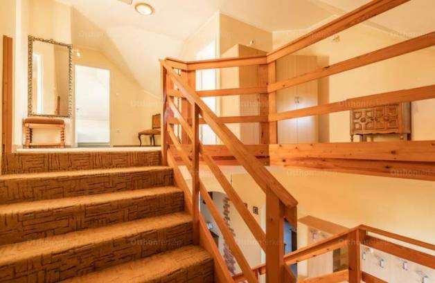 Eladó családi ház, Mosonmagyaróvár, 7 szobás