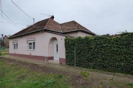 Tataháza 3+1 szobás családi ház eladó