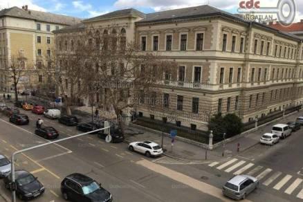 Budapest eladó lakás Lipótvárosban az Alkotmány utcában, 52 négyzetméteres