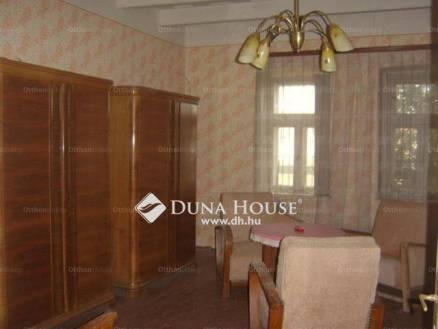 Eladó családi ház Alattyán, 2 szobás