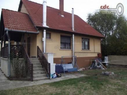 Eladó családi ház, Pilis, 4 szobás