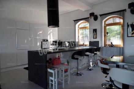 Eladó családi ház, Budaörs, 5+1 szobás