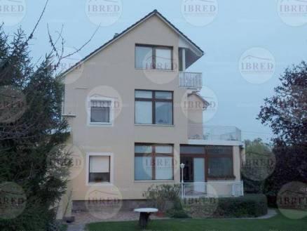 Budaörs 5+3 szobás családi ház eladó