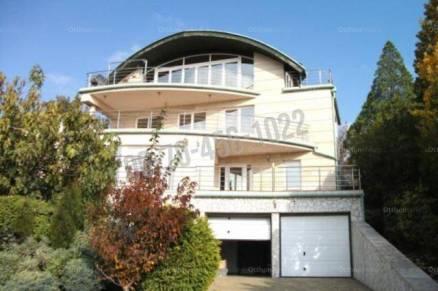 Eladó családi ház Budapest, 5 szobás