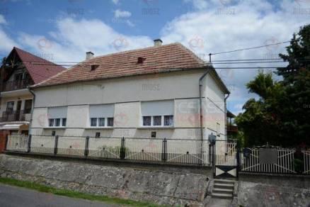 Berzence eladó családi ház
